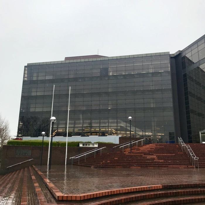 day-22 神奈川 神奈川県民ホール  2日目。 雨ですね。