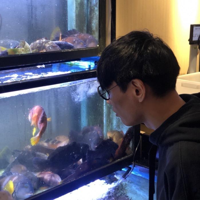 魚と束の間の接触。ののちに実食。