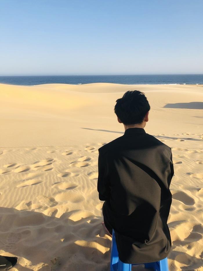 更新がご無沙汰ですみません。 オフショットをなかなか撮っていないので、オーストラリアの掘り出し写真です。  近そうに見えて、明らかに歩いて行けない距離に海。結局これ以上近くに行くことはなかったのですが、綺麗なんでしょうね。